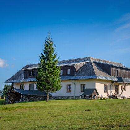 Ubytování u Chvalů -se nachází na Šumavě v obci Kvilda uprostřed krásné přírody Národního